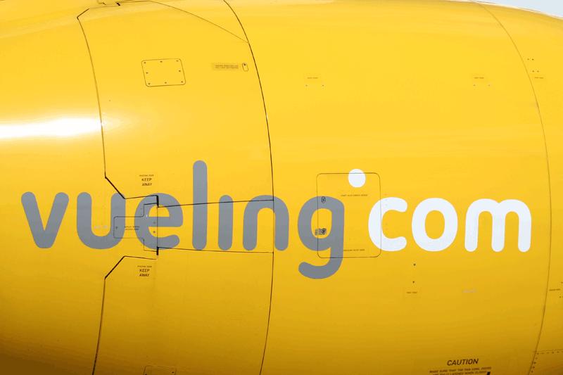 vueling-fuselaje-amarillo